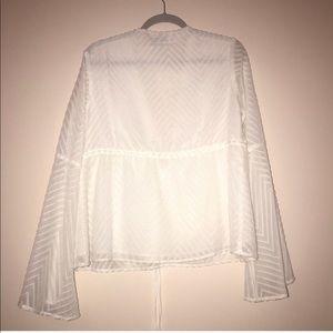 Vagabond Tops - Vagabond white boho long sleeve top
